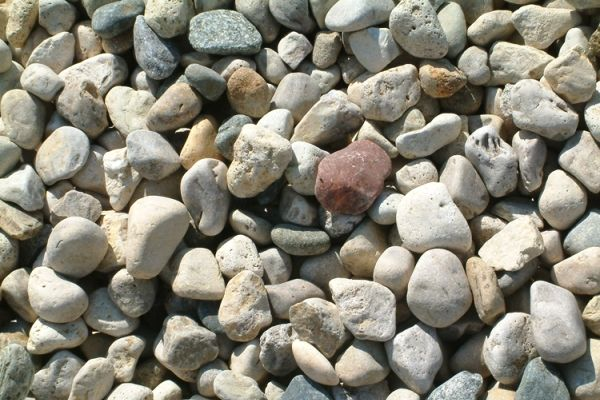 River rock, round rock and decorative stone for landscaping